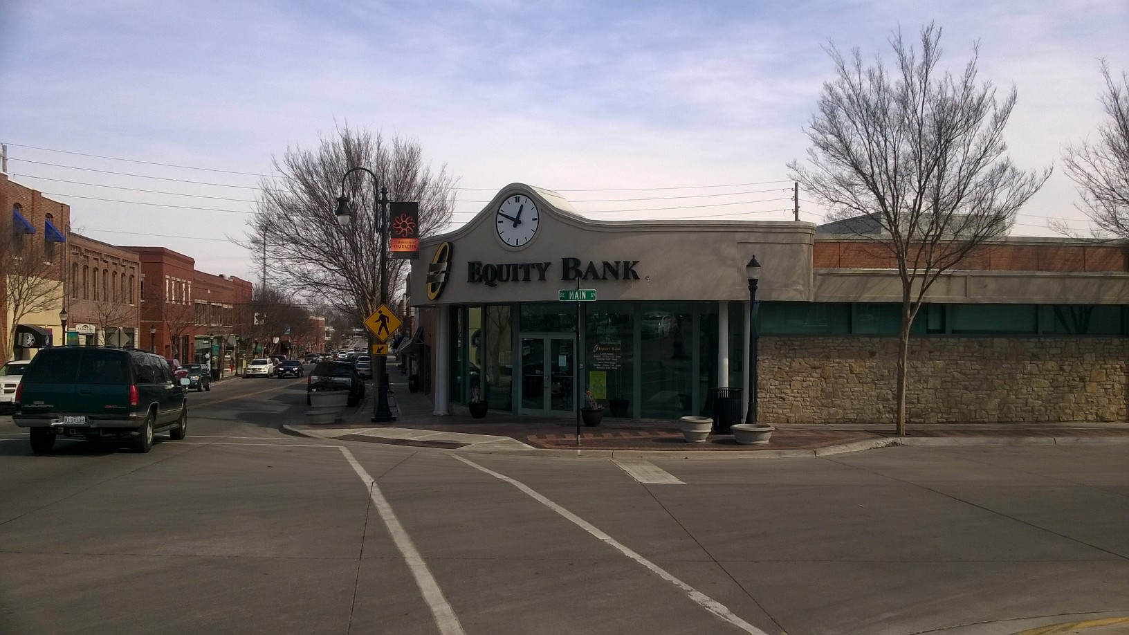 Equity Bank Lee's Summit Downtown branch exterior.
