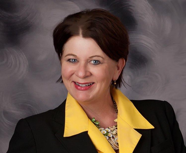 Gwen Prichard Headshot